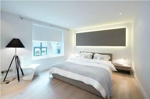 SOHO HOUSE: modern Living room by Esra Kazmirci Mimarlik