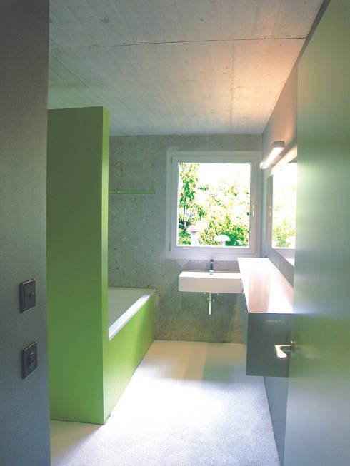 Bad Schlafgeschoss:  Badezimmer von Himmelhoch GmbH