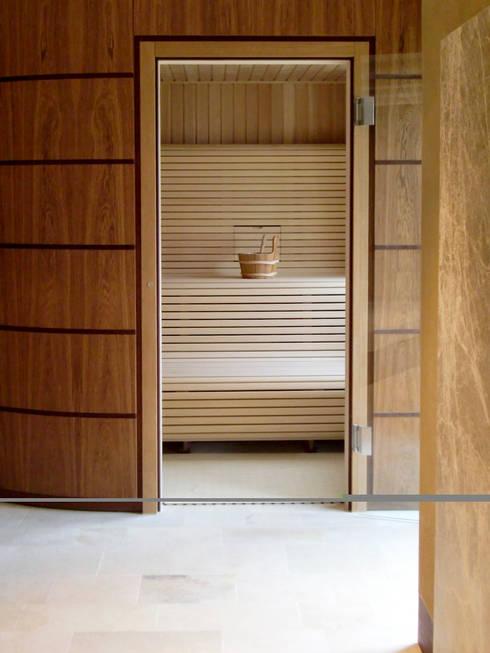 privat spa: klassisches Spa von  baustudio kastl