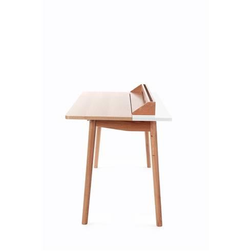 Desk Honoré: modern Study/office by La Corbeille Éditions