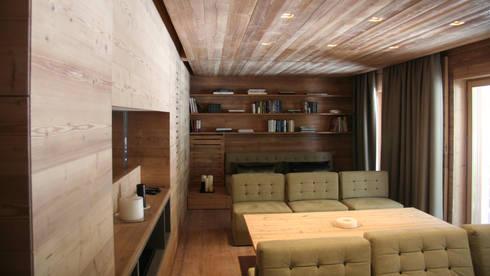 Residenza Cortina 2008: Case in stile in stile Moderno di TIBERIO CERATO