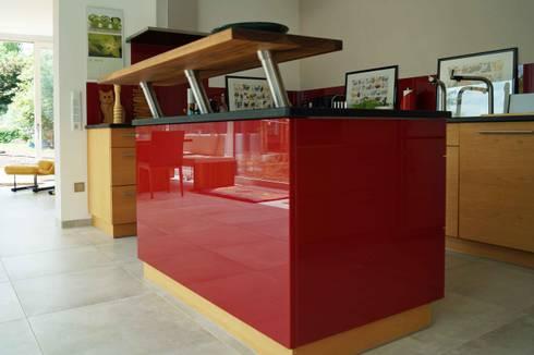 modern kitchen by lignum mbelmanufaktur - Moderne Kuche Mit Kochinsel Und Theke