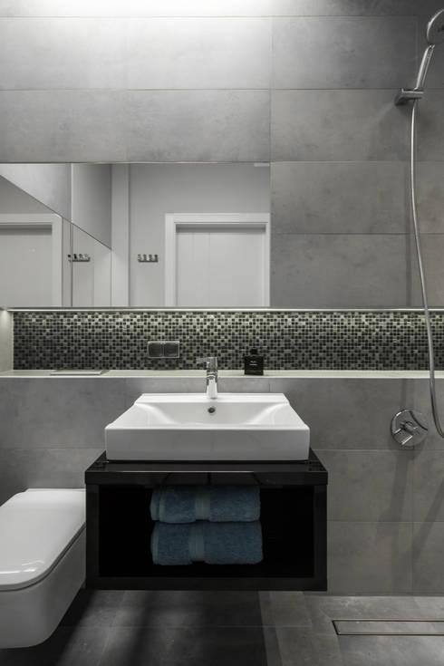 nowoczesne mieszkanie w Warszawie : styl , w kategorii Łazienka zaprojektowany przez Art of home