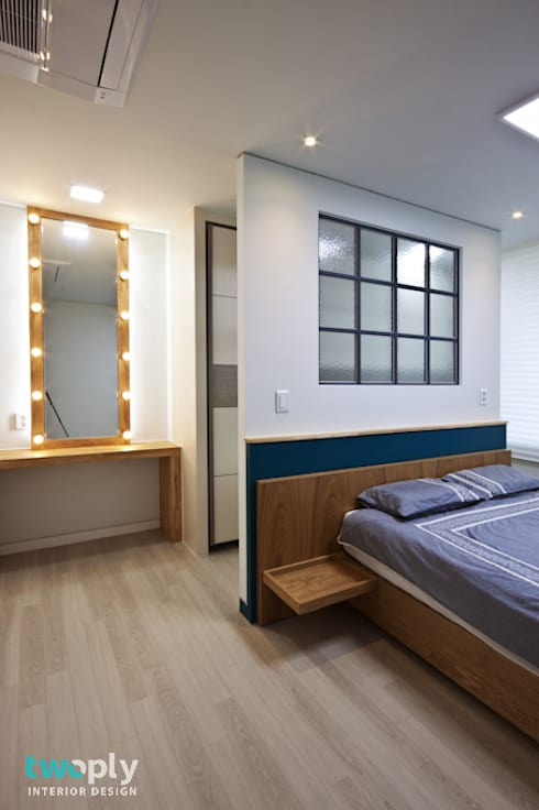 가족을 위한 단독주택: 디자인투플라이의  침실