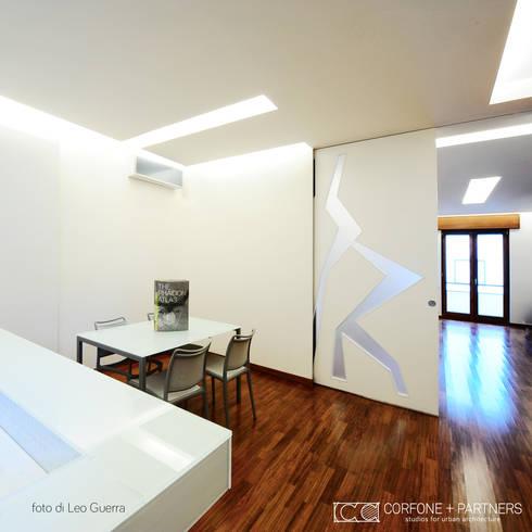 CASA I7: Cucina in stile in stile Moderno di CORFONE + PARTNERS studios for urban architecture