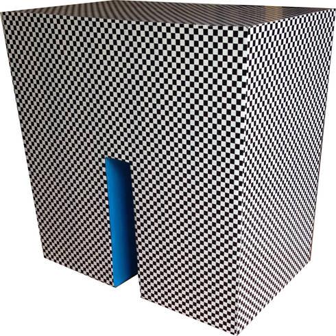 SCACCO pouff: Soggiorno in stile in stile Eclettico di Ecocentriche Eco Design Rome