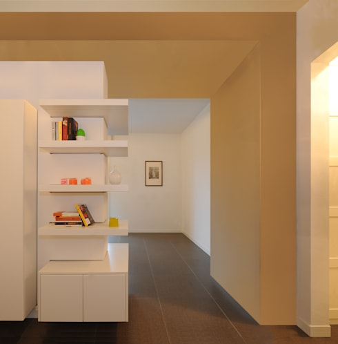 GRAZIANIDICEMBRINO CASA G+M: Ingresso & Corridoio in stile  di GRAZIANI & DICEMBRINO