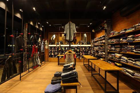 Interior-Commercial:  Shopping Centres by Concetto Design Co