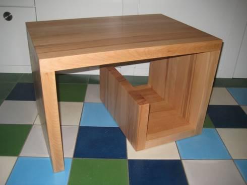 couchtisch beistelltisch in schneckenform kernbuche. Black Bedroom Furniture Sets. Home Design Ideas