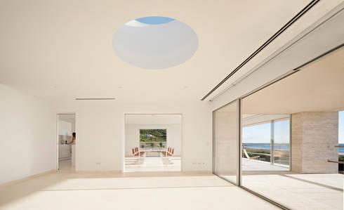 House of the Infinite: Salones de estilo moderno de Alberto Campo Baeza
