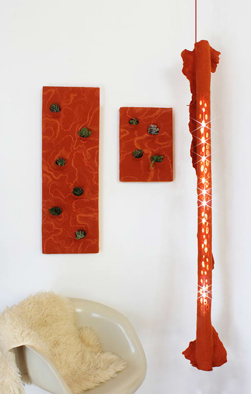 Lamp A in felt and recycled material 2014: Casa in stile  di Judith Byberg