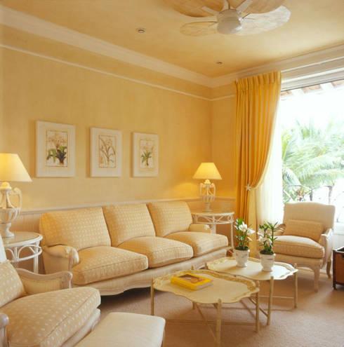Habitaciones de estilo tropical por Studio Oscar Mikail