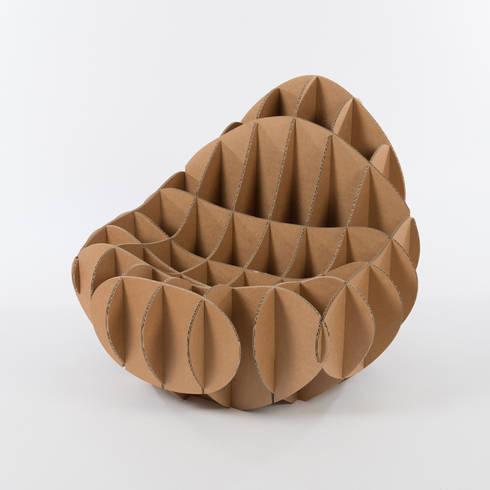 cartOOn collection: Soggiorno in stile in stile Eclettico di deZign Studio