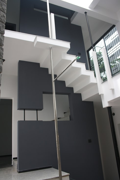 Staircase:  Houses by Ashwin Architects