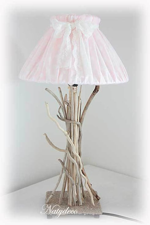 lampe en bois flotté: Maison de style  par Natydeco