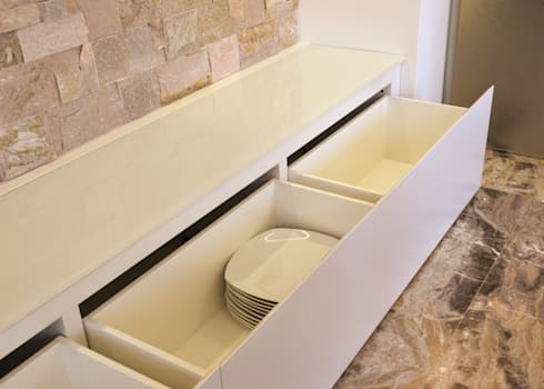 renovation of a living-room, Venice area (Italy): Soggiorno in stile in stile Moderno di Andrea Girotto Architetto