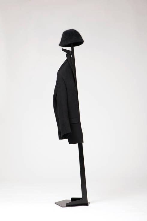 Bystander:  in stile  di Design  Ari Kanerva - Studio arka