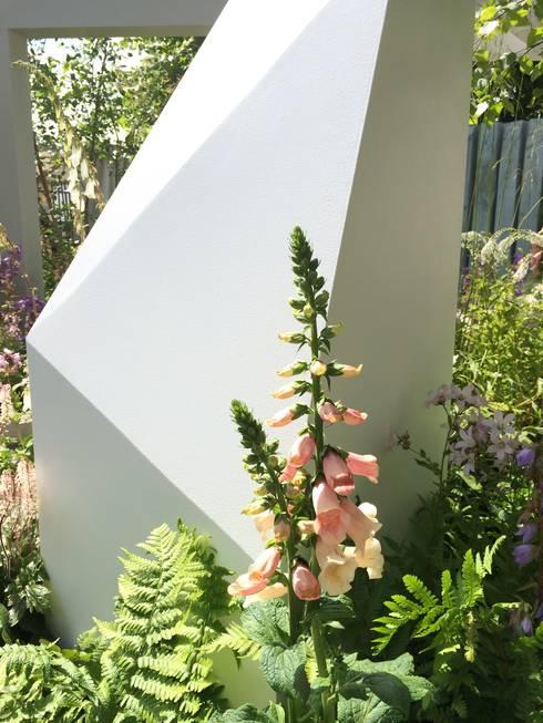 sculpture 1:   by Alexandra Froggatt Design