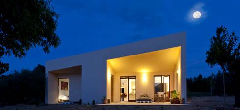 Casa en Selva, Mallorca: Casas de estilo mediterráneo de Joan Miquel Segui Arquitecte