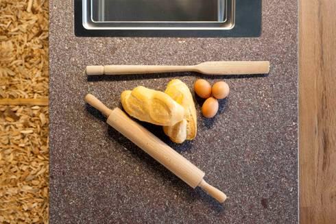 CookIN' TAble: Cucina in stile In stile Country di CORAZZOLLA SRL - Arredamenti su Misura