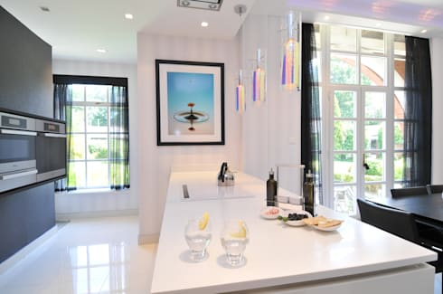 ANDREW'S KITCHEN: modern Kitchen by Diane Berry Kitchens