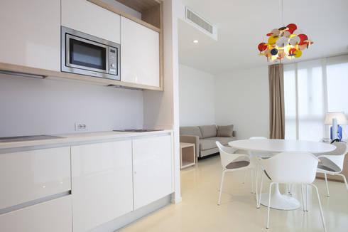 Park Suite Art&Park Hotel: Hotel in stile  di Studio15 Design