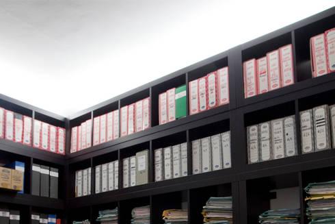 Archivio: Studio in stile in stile Moderno di BRENSO Architecture & Design