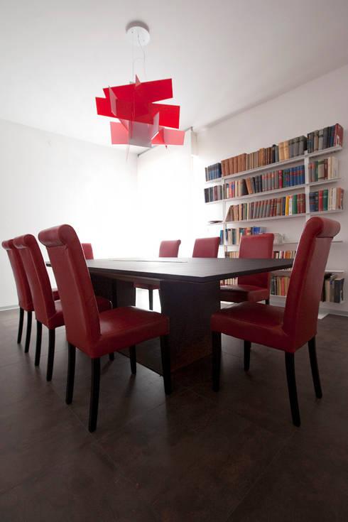 Sala riunioni: Studio in stile in stile Moderno di BRENSO Architecture & Design