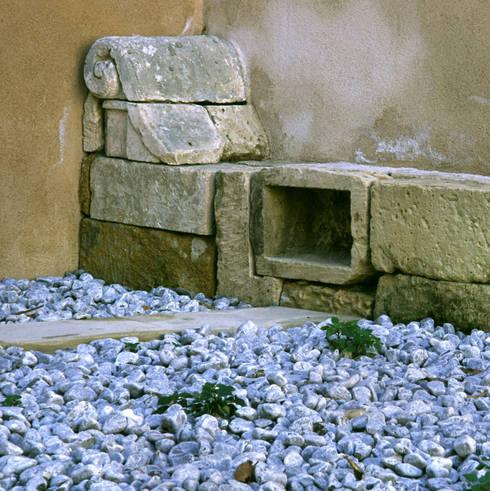 Corte:  in stile  di Vincenzo Latina Architetti