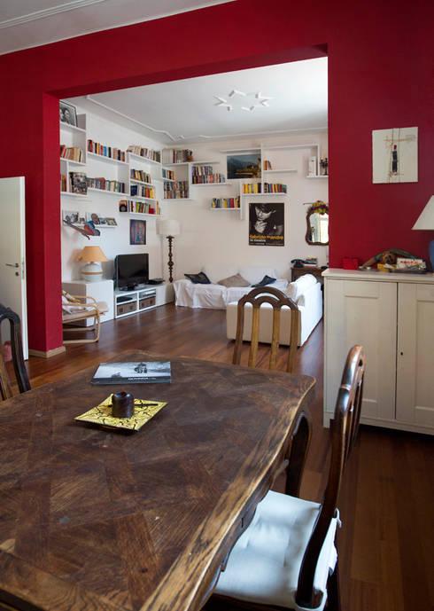 Zona giorno: Soggiorno in stile in stile Moderno di BRENSO Architecture & Design
