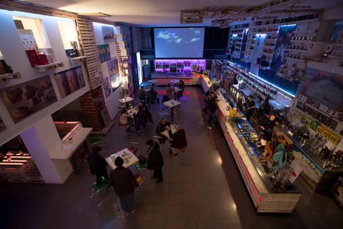 Ambiente principale: Gastronomia in stile  di BRENSO Architecture & Design