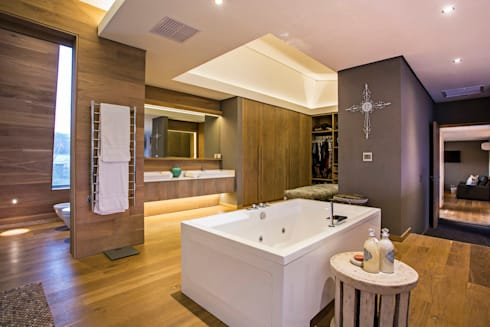 Albizia House: modern Bathroom by Metropole Architects - South Africa