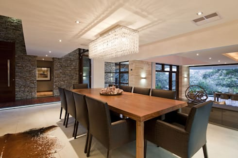SGNW House: modern Dining room by Metropole Architects - South Africa
