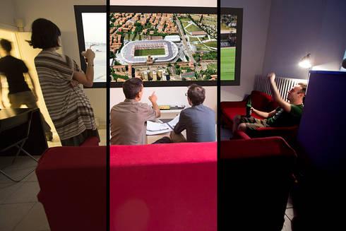 La stanza polifunzionale: Complessi per uffici in stile  di BRENSO Architecture & Design