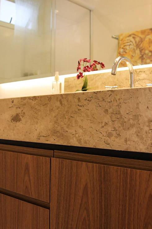 Banheiro Social: Banheiros modernos por Studio Gorski Arquitetura