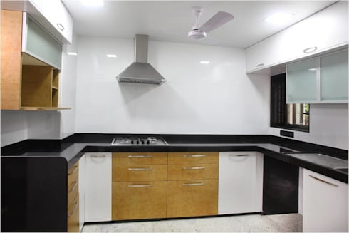 Kitchen: modern Kitchen by Squaare Interior