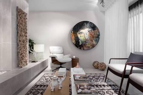 BE – Loft: Salas de jantar ecléticas por Ana Rita Soares- Design de Interiores