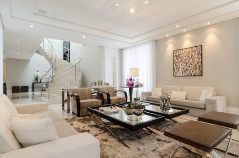 Living Casa Boulevard: Sala de estar  por Arquitetare