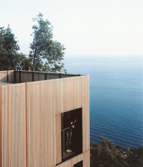 Villa entre ciel et mer, Sori: Maisons de style de style Méditerranéen par 5+1AA alfonso femia gianluca peluffo