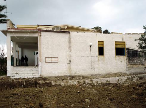 CASA BELLAVIA PRINCIPATO:  in stile  di Lillo Giglia Architetto