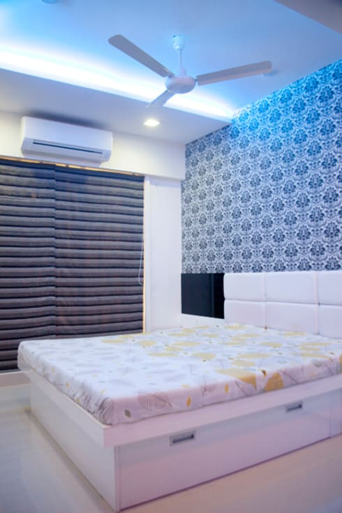 Bedroom:  Houses by Squaare Interior