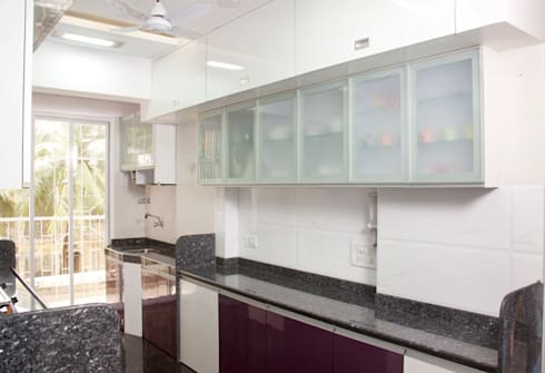 Kitchen:  Houses by Squaare Interior