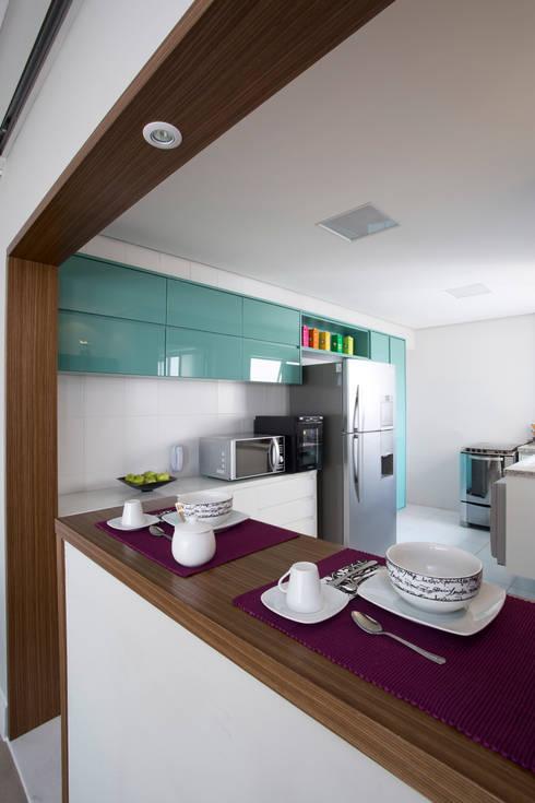 Cozinha americana: Cozinhas modernas por Decorare Studio de Arquitetura