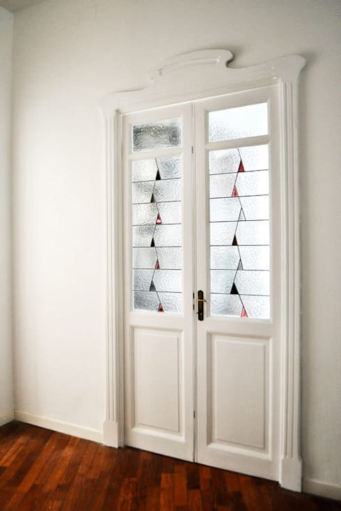Fenêtres & Portes de style  par OPERA OFFICINE VETRARIE