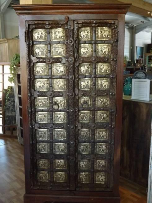 SC93086: Salones de estilo colonial de Salablanca Furniture & Decoration