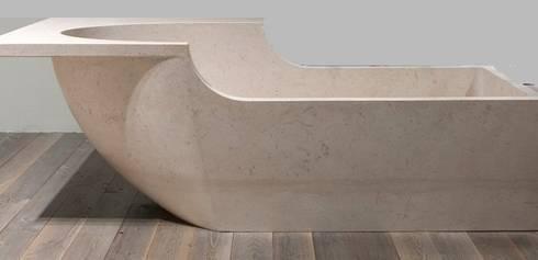 Facciate : Negozi & Locali Commerciali in stile  di stone3