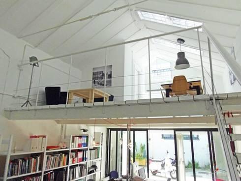 STUDIO NOMADE ARCHITETTURA:  in stile  di NOMADE ARCHITETTURA E INTERIOR DESIGN