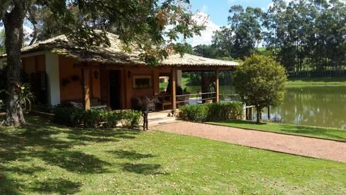 Casa Fazenda_mmagalhães estúdio: Casas campestres por mmagalhães estúdio