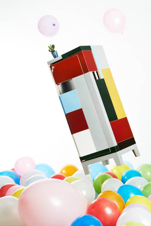 MC-Box: moderne Arbeitszimmer von Plattenladen Bernd Lützelberger