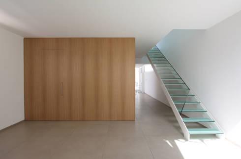 edificio plurifamiliare CCC: Case in stile in stile Moderno di studio di architettura Antonio Giummarra